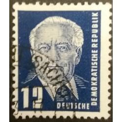 DDR stamp: 12 Pfennig